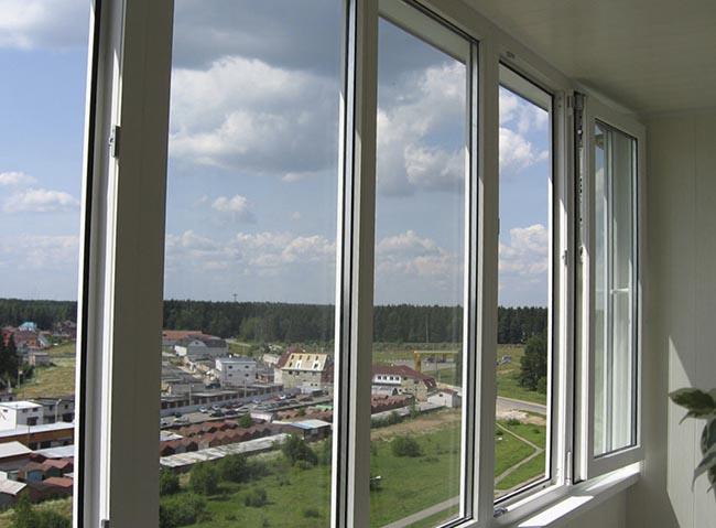 """Застеклить балкон пластиком - цены от завода """"пск конструкци."""